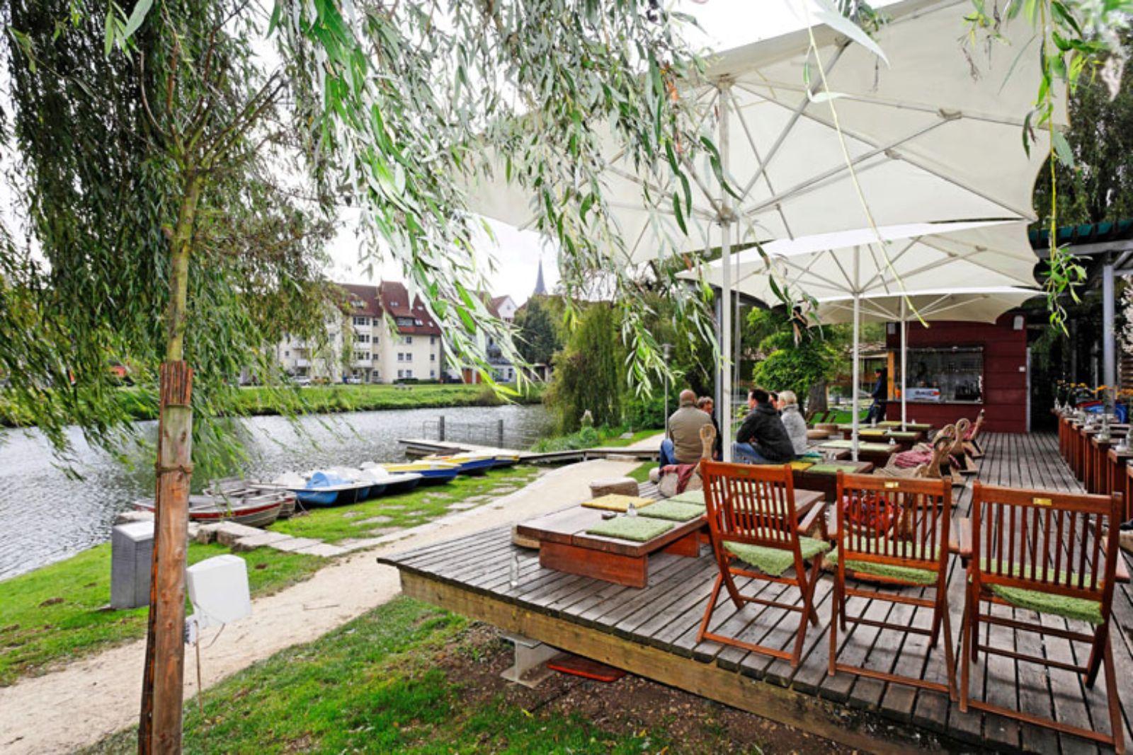 Gastronomie am Ufer der Donau