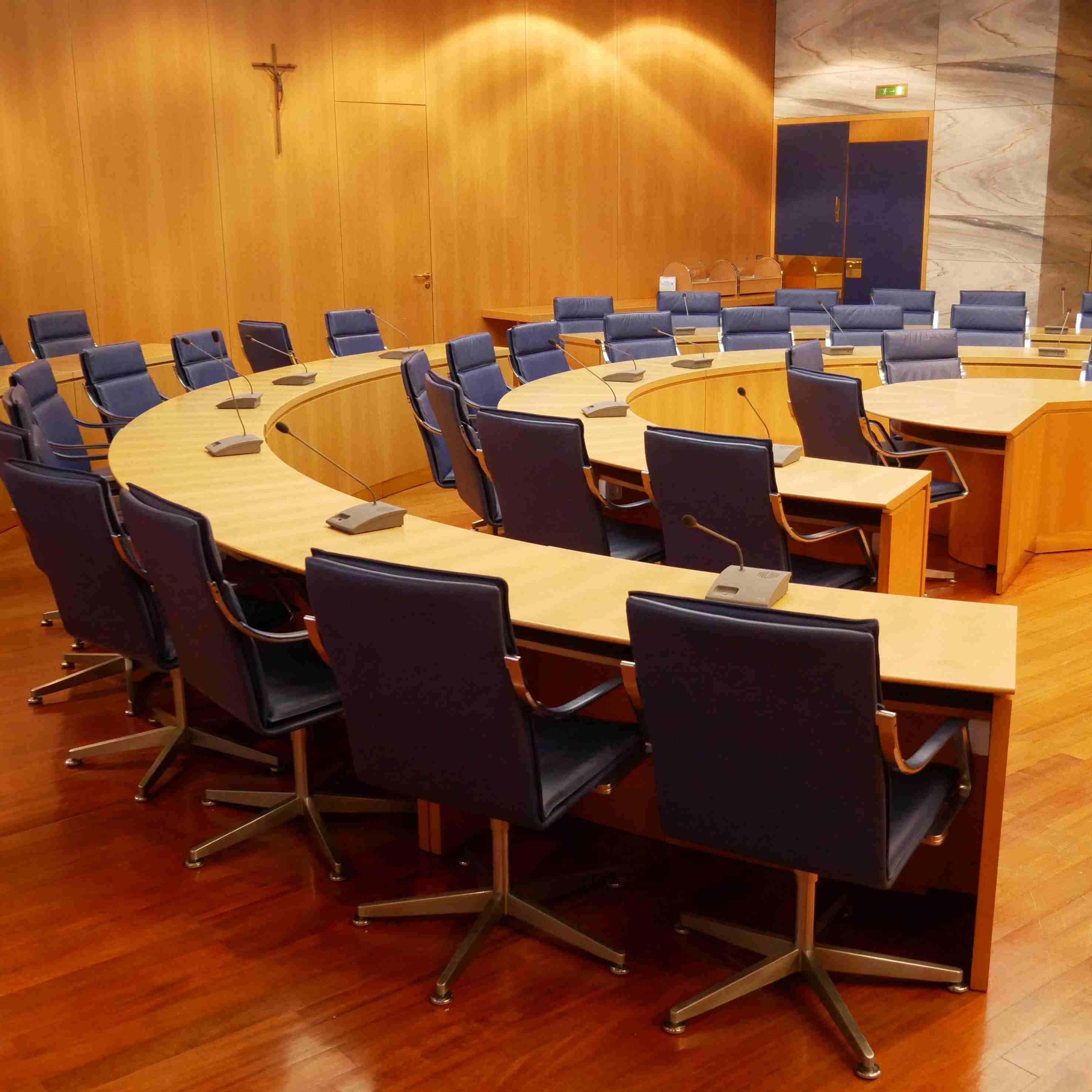 Bild des Sitzungssaales im Tuttlinger Rathaus