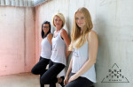 Team von Dancefitness by Sarah Fix – Drei Trainerinnen jeweils mit schwarzer Hose und weißem Oberteil