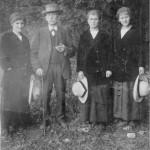 Euthanasieopfer Anna Maria Grotz (links), neben ihrem Vater und ihren Schwestern