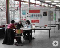 Jugendliche in einer Lerngruppe im Immanuel-Kant-Gymnasium