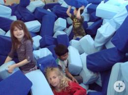 Schüler der Albert-Schweitzer-Schule Tuttlingen in der Bewegungslandschaft