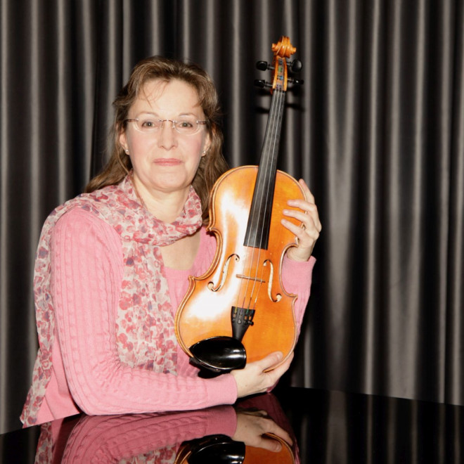 Bild von Monika Ascher mit Violine