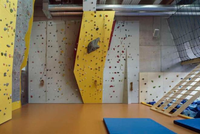 Kletterwand in der LURS