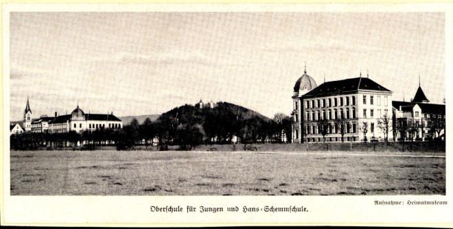 Das Schulgebäude am Stadtgarten in einer historischen Aufnahme