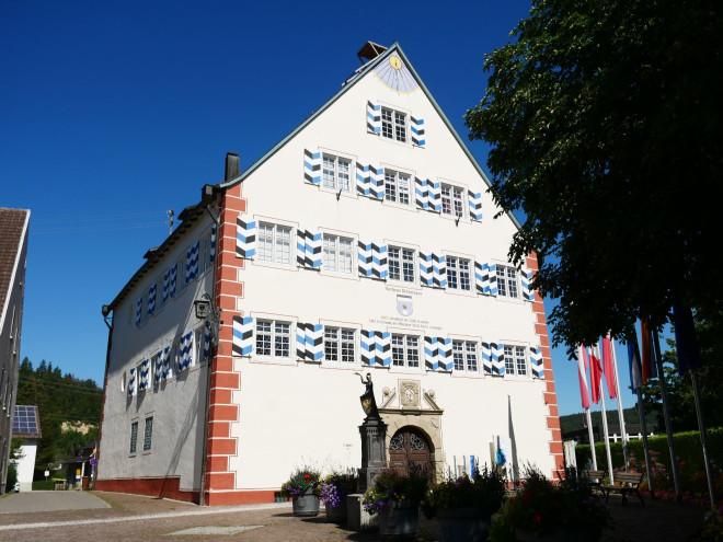 Das Rathaus in Möhringen von außen