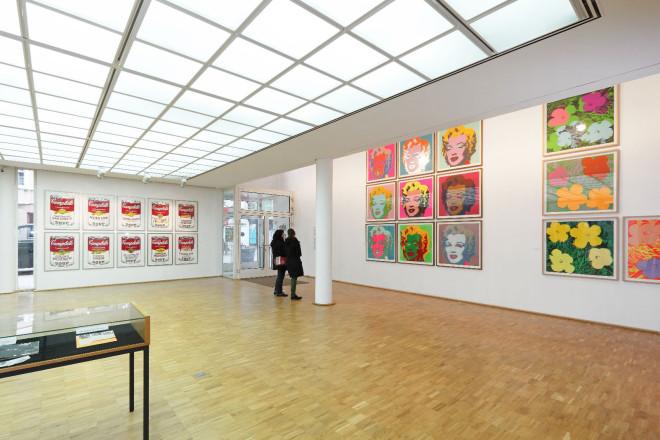 Blick in die Räumlichkeiten der Galerie _ Ausstellung von Andy Warhol, 2013