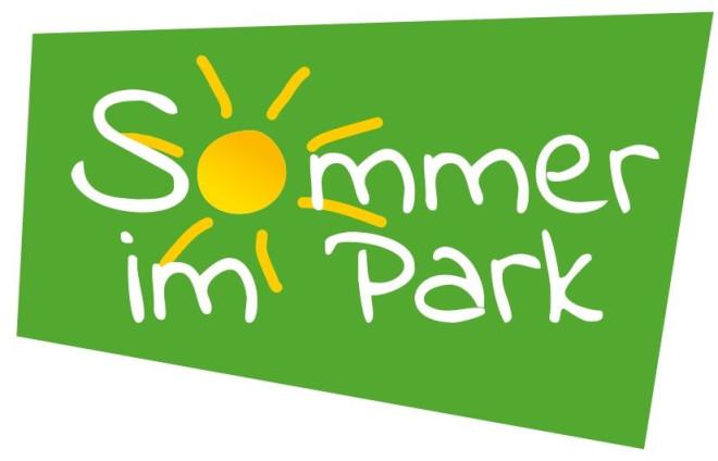 Logo Sommer im Park – weiße Schrift mit gelber Sonne auf grünem Hintergrund