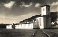 Schwarz-Weiß-Aufnahme der Lagerkirche